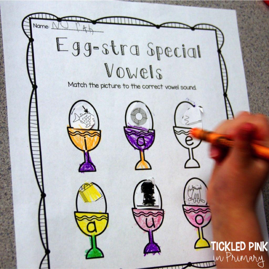 Check out these Kindergarten Easter centers for literacy or math such as this Easter short vowels cut and paste activity. #kindergarten #vowels #literacycenters #eastercenters #firstgrade