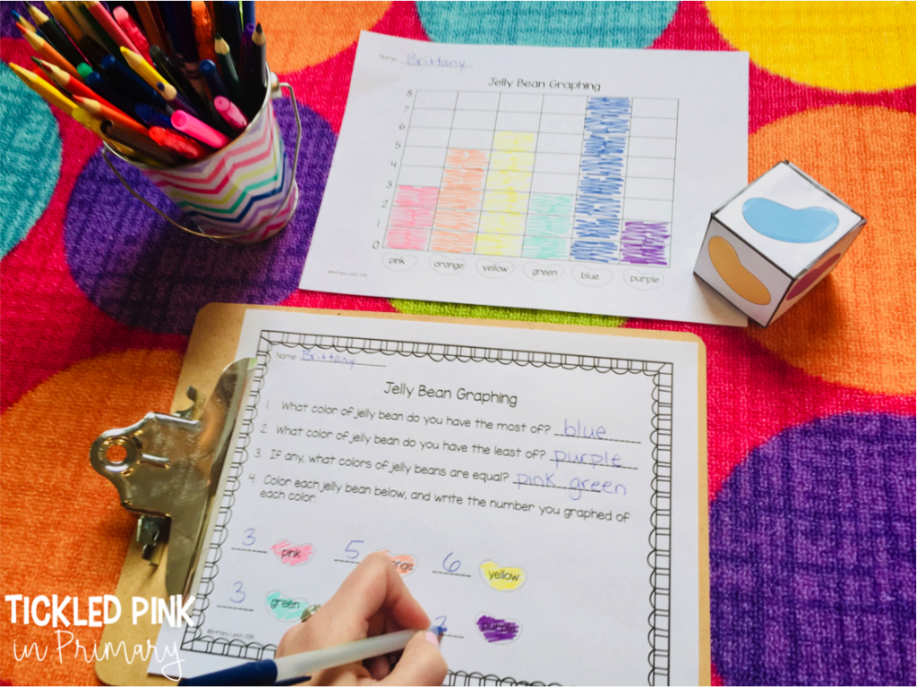 Check out these Kindergarten Easter centers for literacy or math such as this Easter graphing activity. #kindergarten #graphing #mathcenters #eastercenters #firstgrade