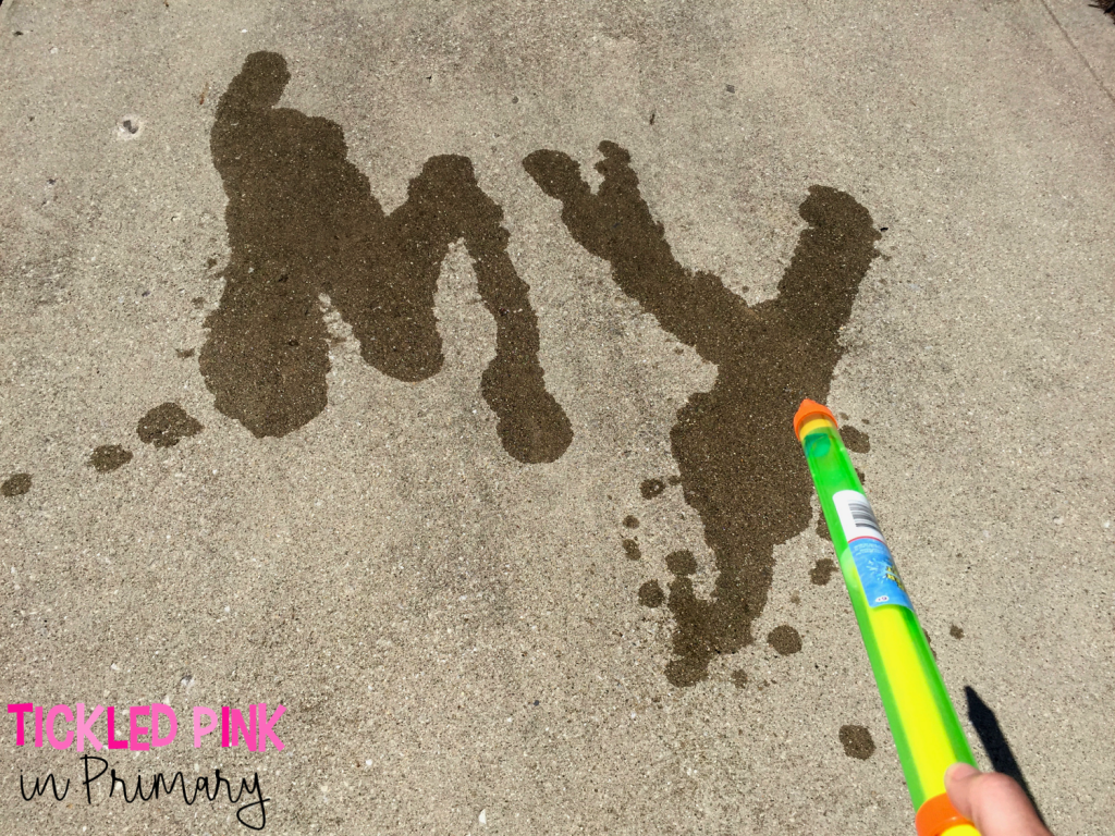 Help your kids keep learning over the Summer. Use pool squirters to practice writing words, letters, numbers, etc. Click to find more activities to prevent the Summer slide. #summer #sightwords #summerslide