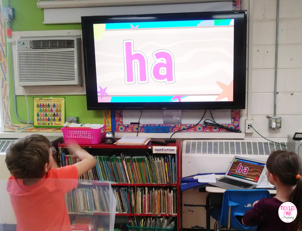 Kids learning sight words with a free interactive sight word video.