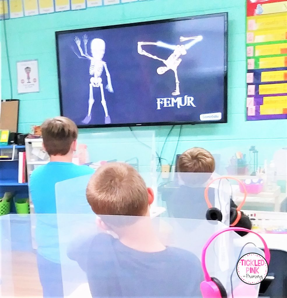 Kids dance along with October-themed guided dance videos.  Dance Video naming bones.