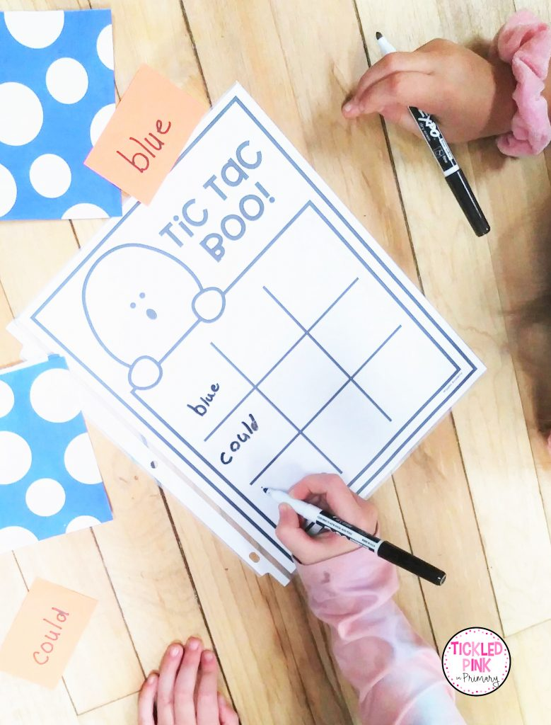 Students practice sight words on this October themed tic tac toe board with ghosts.